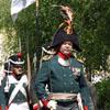 Посетителей приветствовал отряд солдат времен царской России. [Нажмите для увеличения]